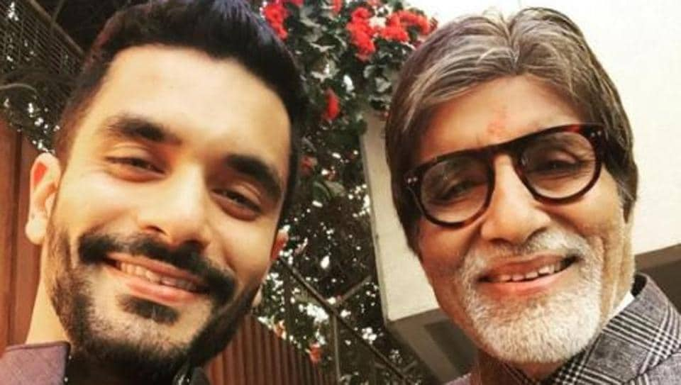 Actor Angad Bedi shared a picture with Amitabh Bachchan after a special screening of their film at the Rashtrapati Bhavan.