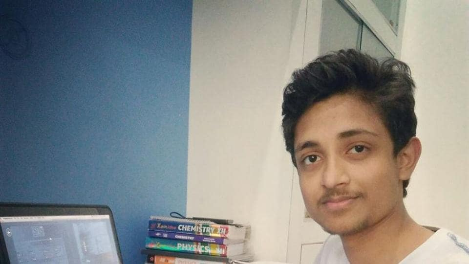A 17-year-old boy from Lucknow has won the Golden Beaver Award for his documentary on psychopaths at the recently concluded 7th National Science Film Festival that was held in Kolkata.