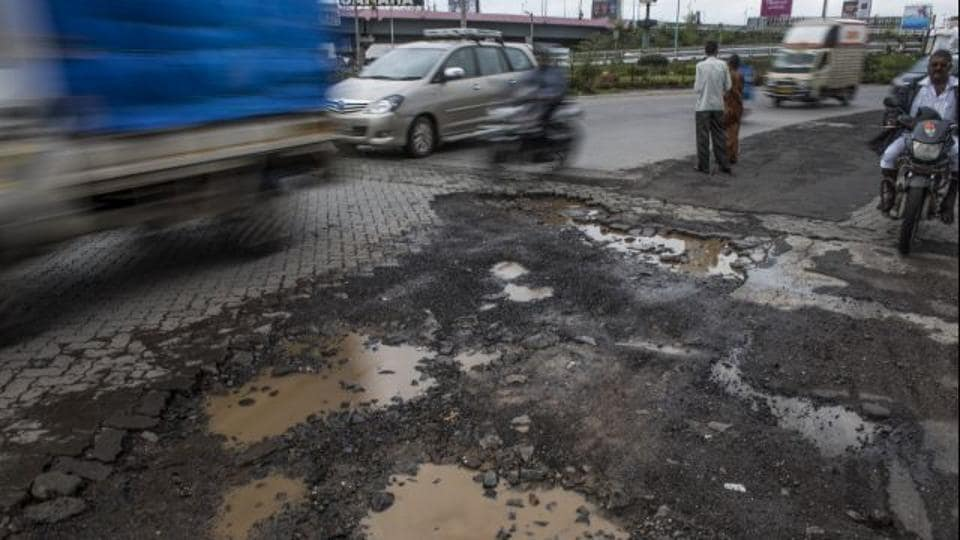 Road,BMC,Pothole