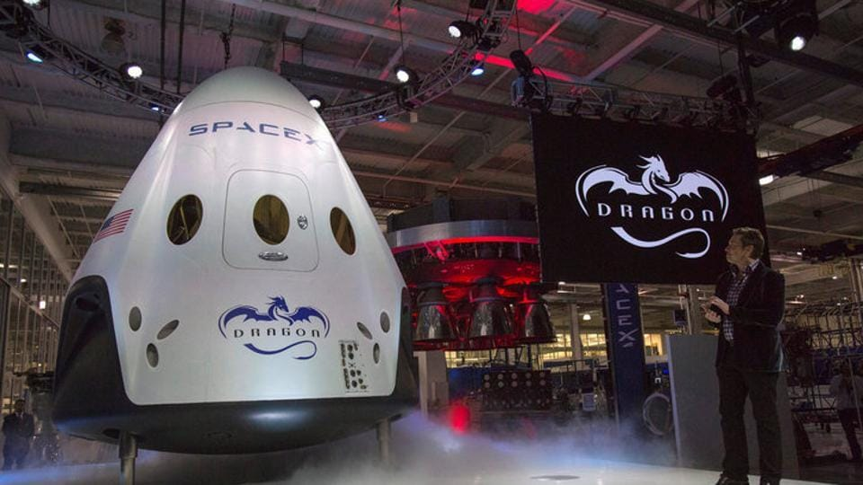 SpaceX CEO Elon Musk unveils the Dragon V2 spacecraft in Hawthorne, California on May 29, 2014