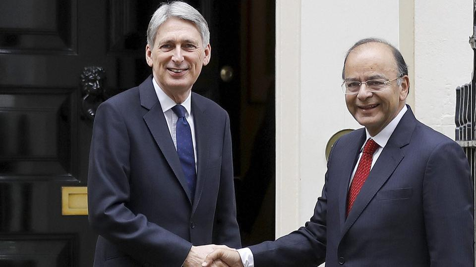 Britain's Chancellor Philip Hammond, left, meets with the Indian finance minister Arun Jaitley for talks at 11 Downing Street in London on Tuesday.