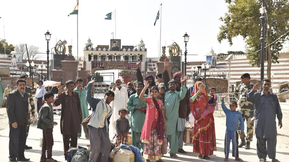 Those returning to Pakistan included a Hindu family of nine from Sindh, who were held by BSF in 2015.