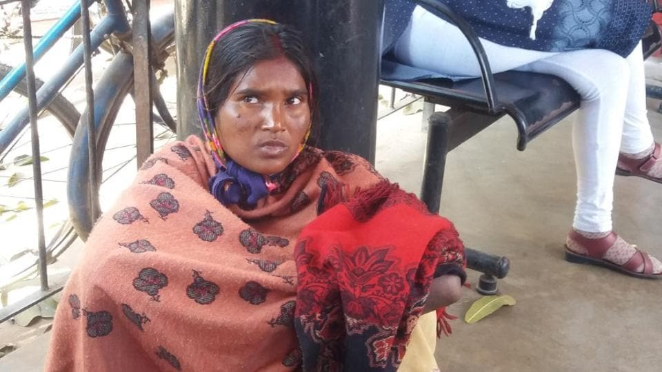 The baby girl of Urmila Devi (in pic), a tribal woman who delivered on Tuesday, was stolen from RIMS hospital in Ranchi, Jharkhand.