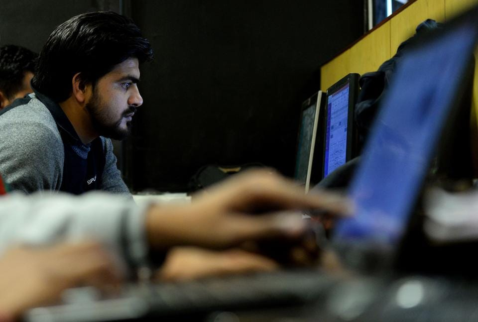 Technology is playing a big role in pushing Indian SMEs / AFP PHOTO / SAJJAD HUSSAIN