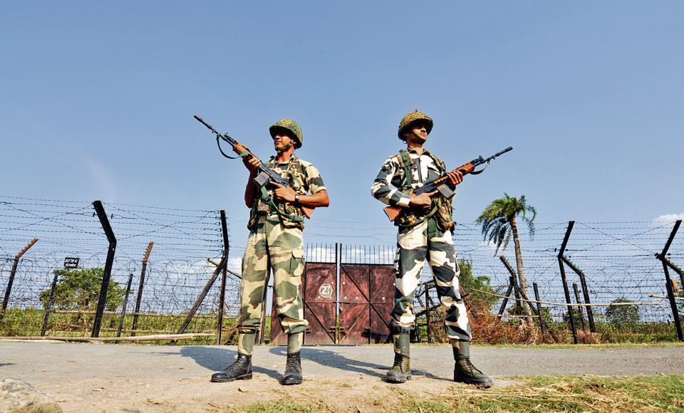 Border Security Force soldiers at the Indo-Bangladesh border on 7th May 2014
