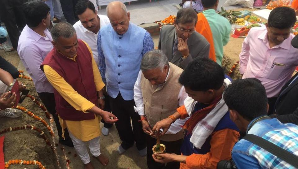 Nalanda University chancellor Vijay Bhatkar and others at the foundation laying function on Wednesday.