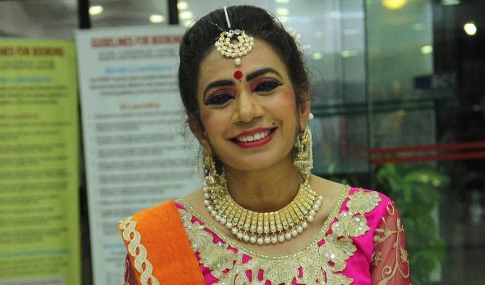 Kathak dancer Dr. Rekha Mehra tries to do her bit for the society.