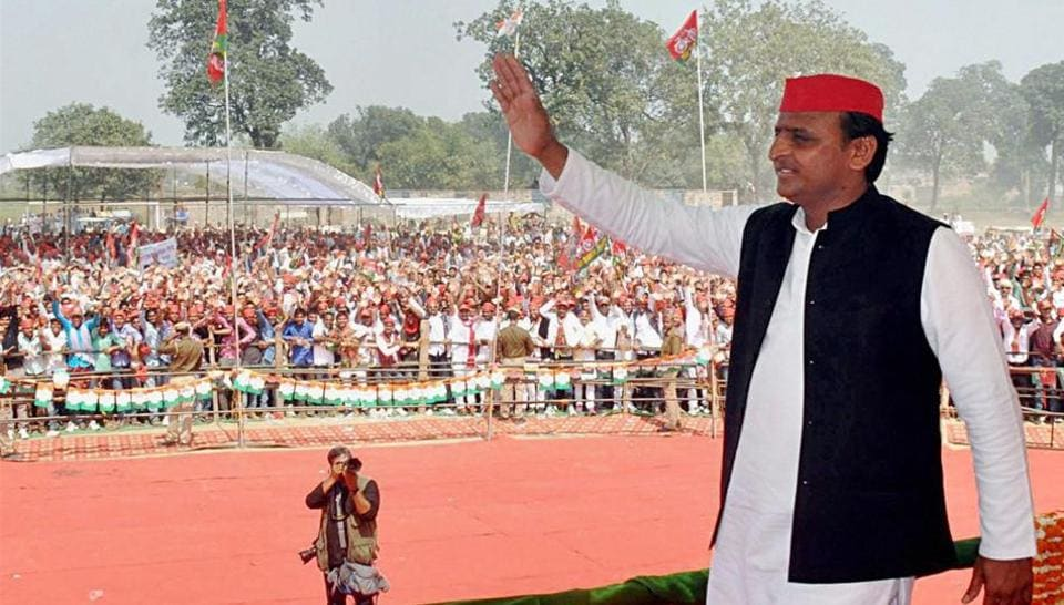 Uttar Pradesh chief minister Akhilesh Yadav at an election rally in Ballia district on Thursday.
