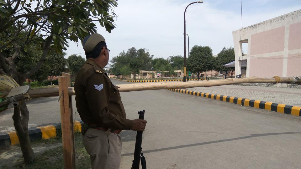 UP police and CISF personnel have been deployed at the flower market where EVMs are stored.