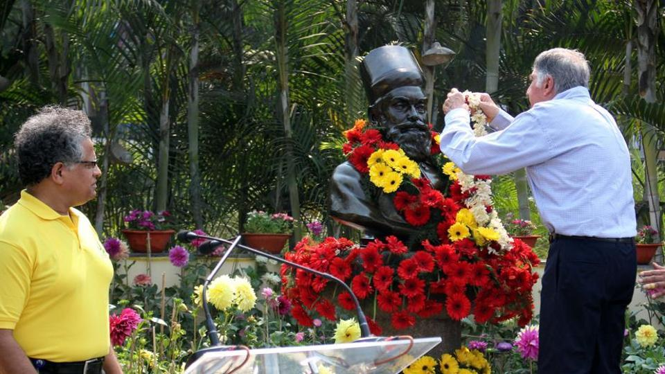 Ratan Tata paying tribute to Tata Steel founder JNTata during founders' day function in Jamshedpur