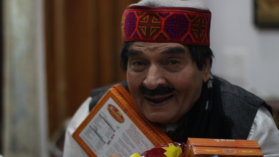 Bollywood actor Govardhan Asrani during the rehearsal of the play, The  MakhiChoos.