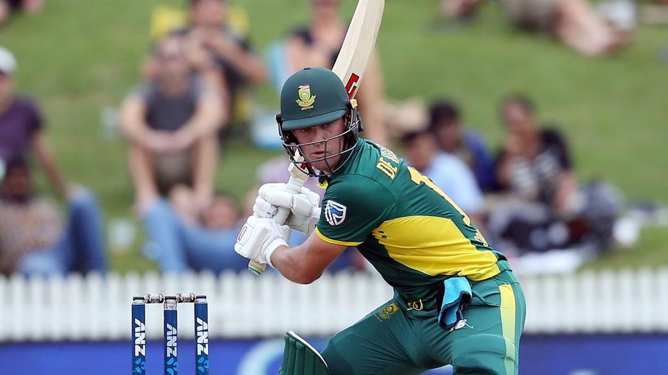 AB de Villiers scored 23 before Faf du Plessis and David Miller joined hands to guide South Africa to a six-wicket victory on Saturday.