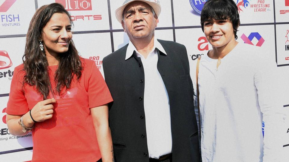 Mahavir Singh Phogat with daughters Geeta Phogat (right)and Babita, who were involved in the Gurmehar Kaur twitter troll controversy.