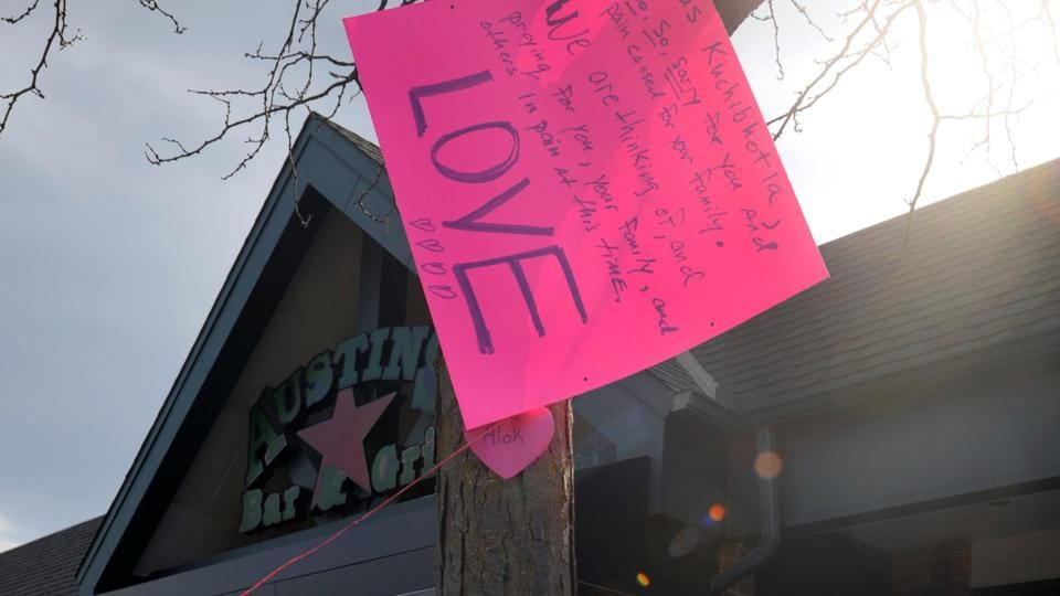 A makeshift memorial is seen outside the Austins Bar & Grill, where Indian engineer Srinivas Kuchibhotla was shot and killed, in Olathe, Kansas on February 26.