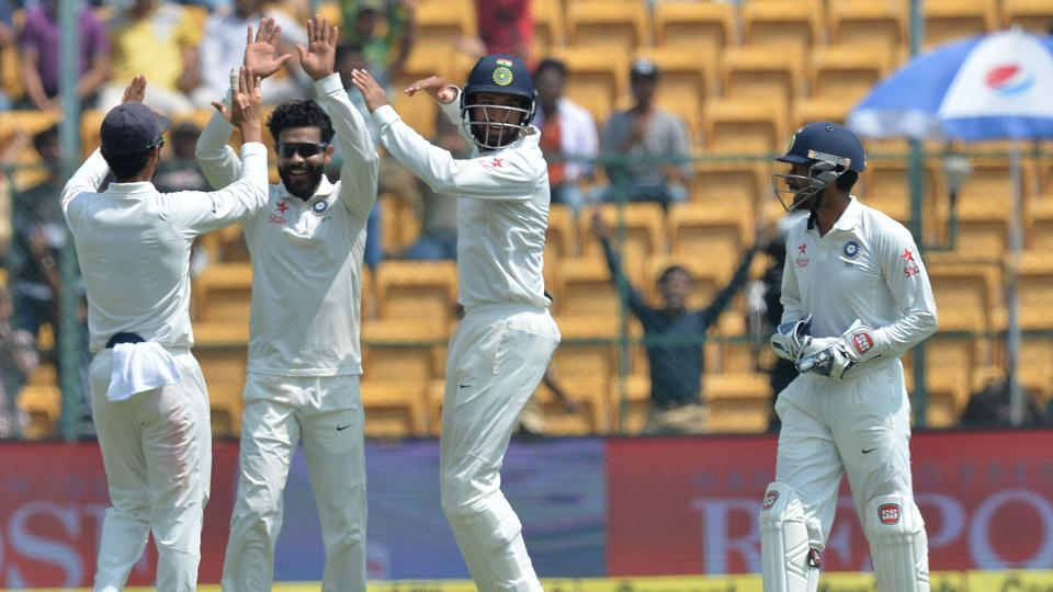 Ravindra Jadeja picked up three wickets on day 2 but Australia managed to take a 48-run lead at stumps in the Bangalore Test. Live streaming of Day 3 of India vs Australia will be available on Sunday.
