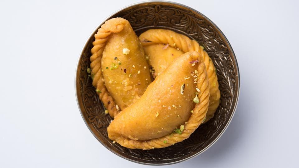 Gujiyas,Holi,Tips