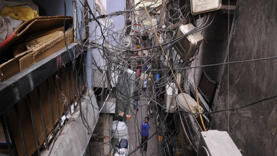 A web of dangling wires in Allahabad.