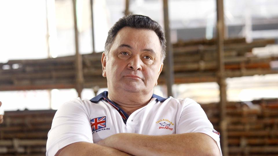 In an interview to HT about him abusing Twitter trolls, Rishi Kapoor says he's the 'guy who enters the eye of the storm and takes the bull by the horn.'