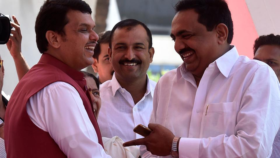 Chief minister Devendra Fadnavis and NCP MLA Jayant Patil share a light moment on the first day of the Budget session of the Maharashtra Assembly in Mumbai. (Kunal Patil/HT Photo)