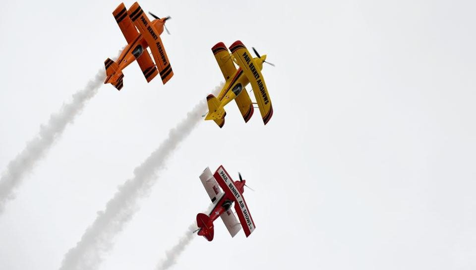 The Sky Aces perform during the Australian International Airshow in Melbourne on March 5, 2017. The annual event sees 180,000 visitors over the 3-day public event held at the Avalon Airfield some 80kms south-west of Melbourne. (MAL FAIRCLOUGH / AFP)
