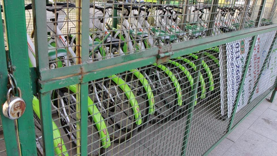 Cycle stands have already been set up in metro stations across Delhi, like the Vishwavidyalaya metro station.