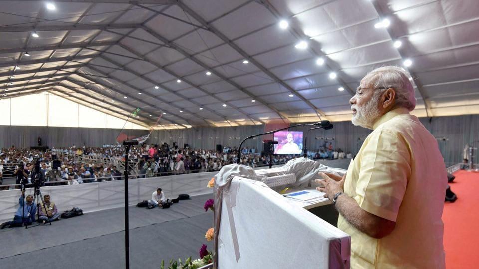 Gujarat,Narendra Modi,Highways
