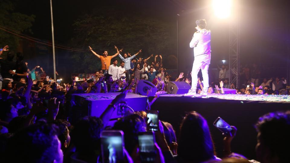 Students climbed onto every possible surface at Crossroads 2017, the SRCC fest, to get a better glimpse of Armaan Malik.