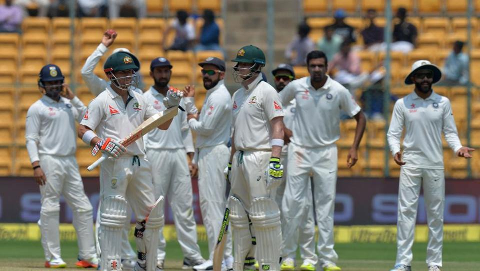 Steve Smith reportedly looked toward the players' area in the stands when deciding whether to use the DRSin the Bangalore Test against India.