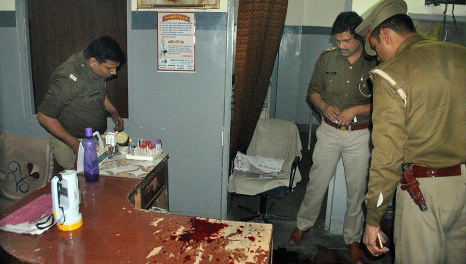 Ghaziabad,jilted lover,man shoots self