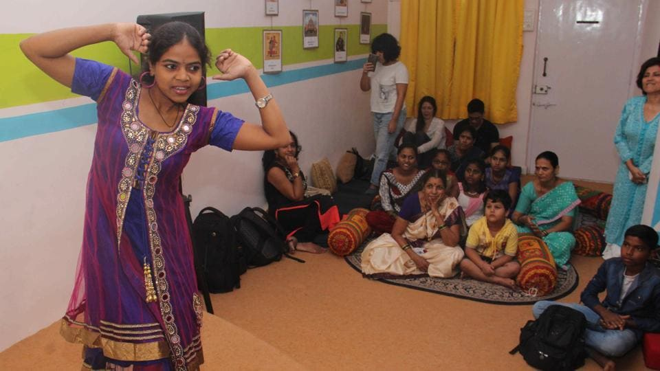 Children of domestic help perform at a studio in Goregaon on Wednesday. (Pramod Thakur/HT PHOTO)