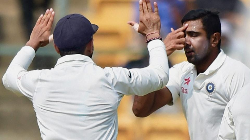 R Ashwin taunts Steve Smith on DRS row, says reminds him of U-10 days | cricket | Hindustan Times