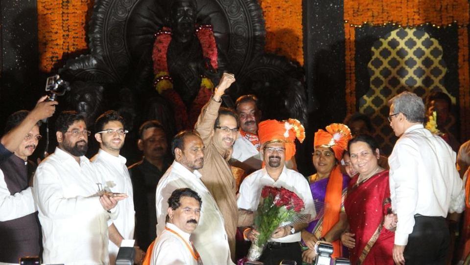 Vishwanath Mahadeshwar is elected Mumbai's mayor on Wednesday. (Bhushan Koyande/ht photo)