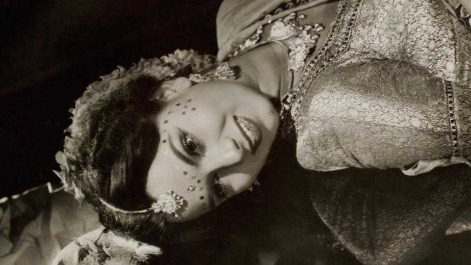 Photographic still of Shyama from the Hindi film, Sohag Sindoor (1953) (Photo courtesy: Museum of Art & Photography)