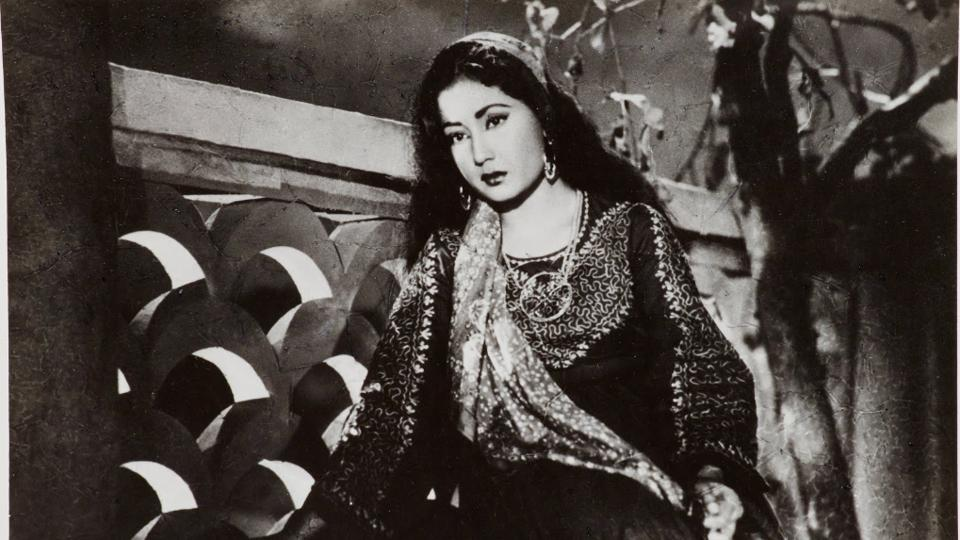 Photographic still of Meena Kumari from the Hindi film, Yahudi (1958)