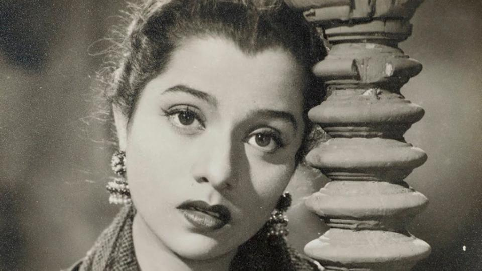 Photographic still of Usha Kiran from the Hindi film, Dost (1954) (Photo courtesy: Museum of Art & Photography)