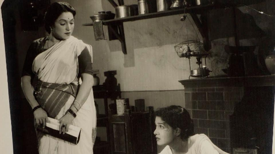 Photographic still featuring Lalita Pawar and Sulochana Latkar, from the Hindi film, Sajni (1956) (Photo courtesy: Museum of Art & Photography)