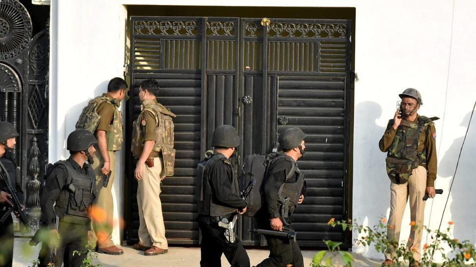 Lucknow encounter,Chilli bombs,ISIS