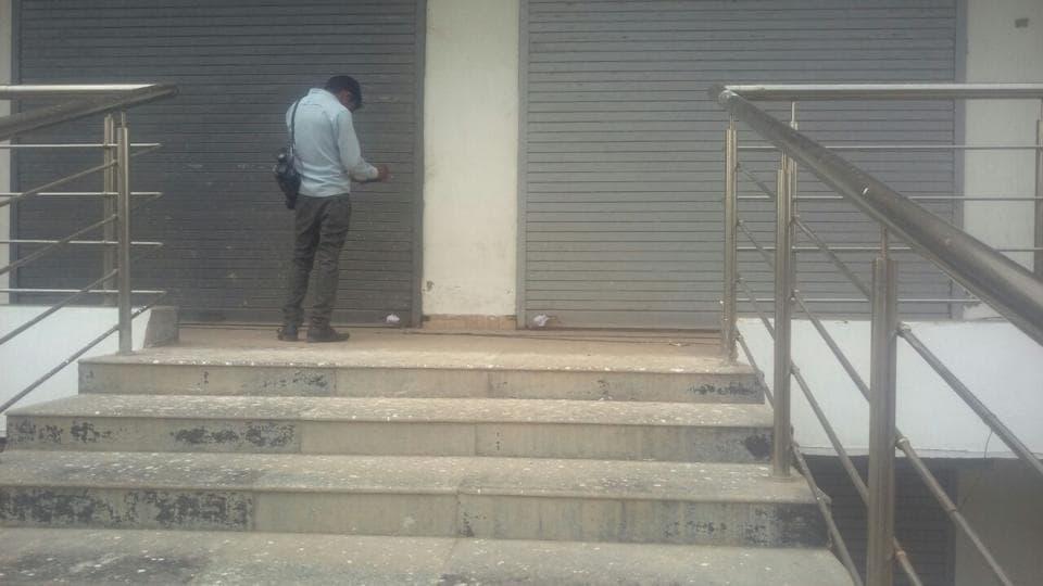 noida,noida authority,unauthorised building