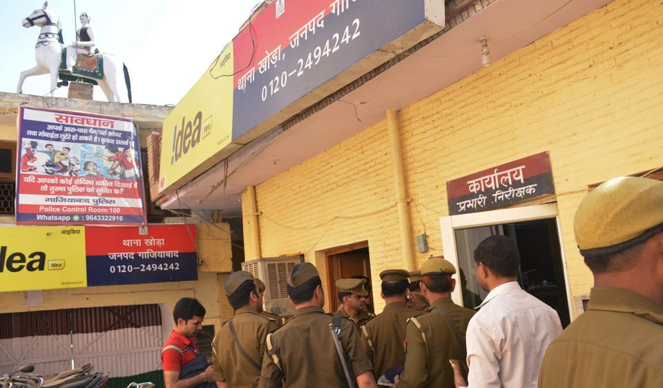 A 30-year-old woman chopped off the penis of her husband for having denied her sex for ten years in Ghaziabad. A case has been registered in this regard at Khoda police station.