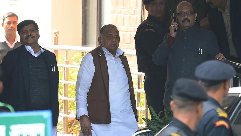 It was off to a rocky start  for the Samajwadi Party in the run up to campaigning for the Uttar Pradesh election. A family feud between Mulayam's brother Shivpal and Akhilesh threatened  to tear the party apart and 'outsider' Amar singh was said to be blamed for the rift. (AFP Photo)