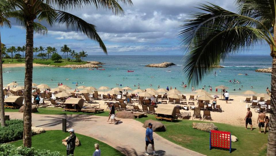 Hawaii has become the first state in the USto sue to stop President Donald Trump's revised travel ban.
