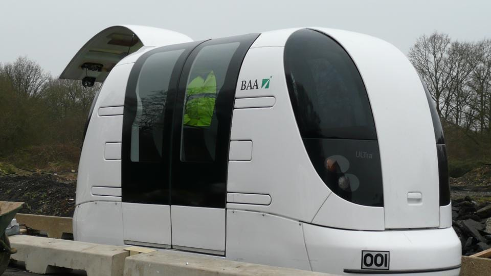The project will have small automatic driverless pods moving on a suspended network with multiple stops.
