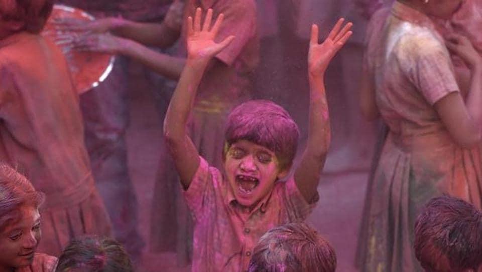 Holi,Mumbai,colours