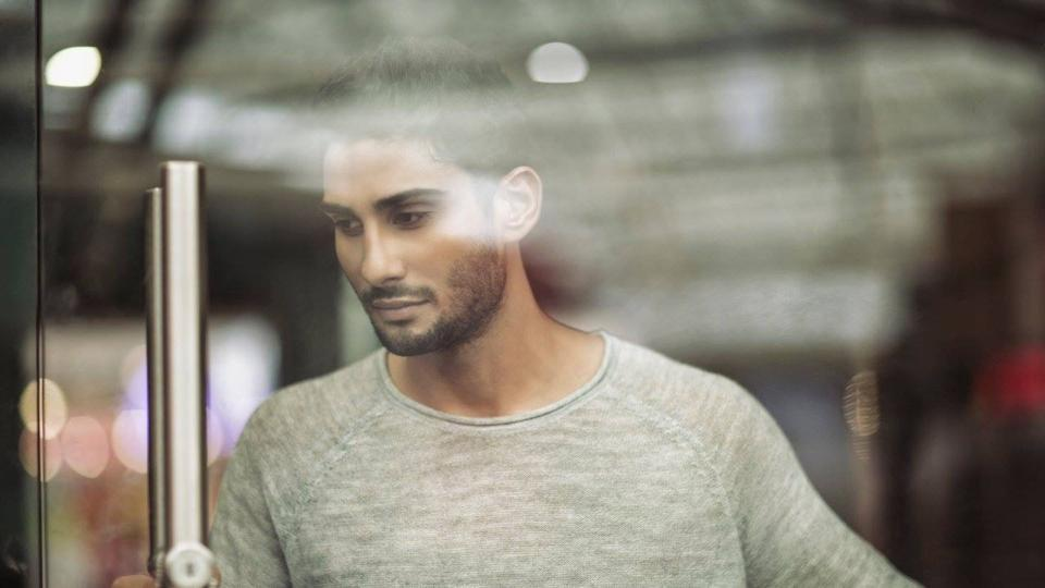 Actor Prateik Babbar who last dated actor Amy Jackson for a year, wants to change as a person before he falls in love again .