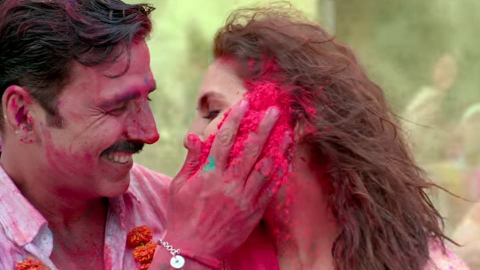 This peppy Akshay Kumar and Huma Qureshi  track from Jolly LLB 2 sets the mood for Holi.