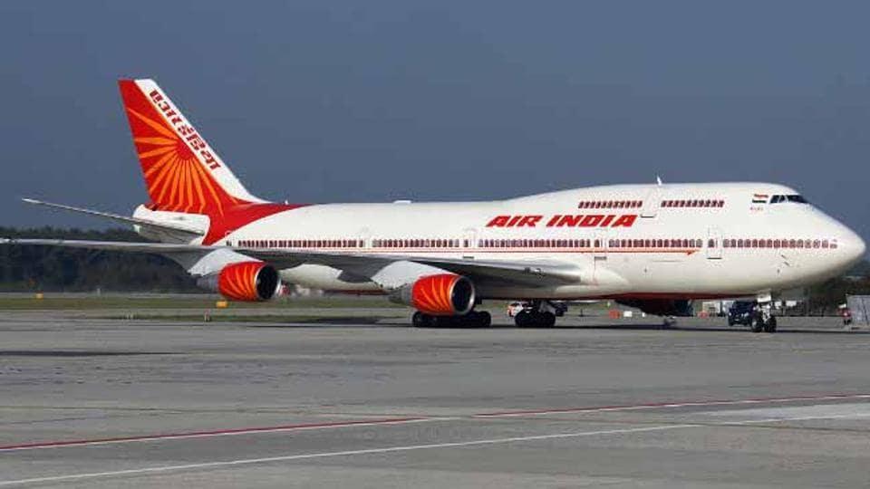 Air India,Air India plane lost contact,London Hungary flight