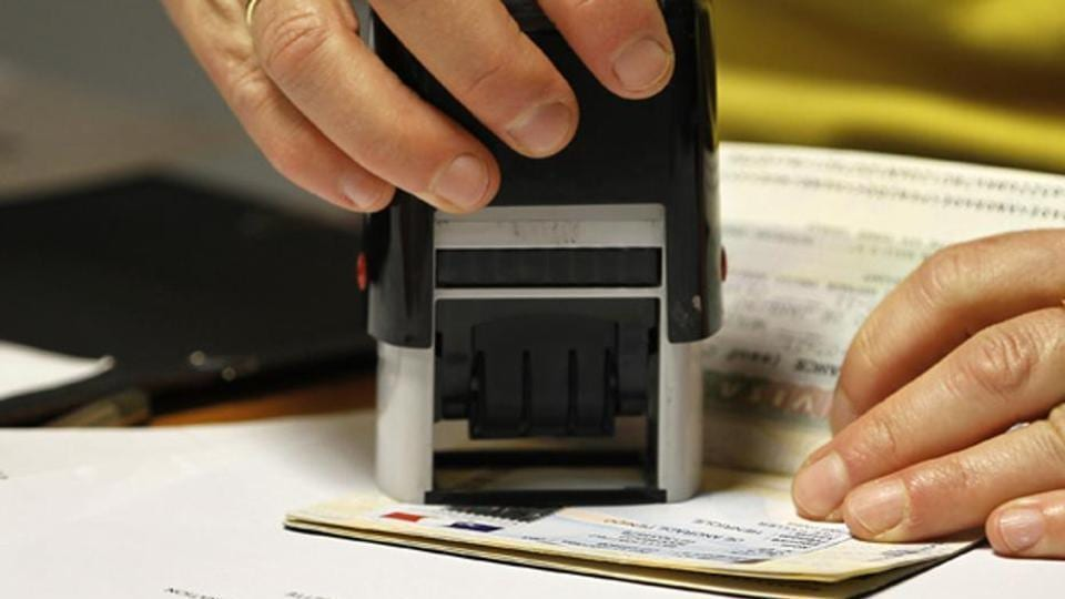 mumbai news,forgery,US visa