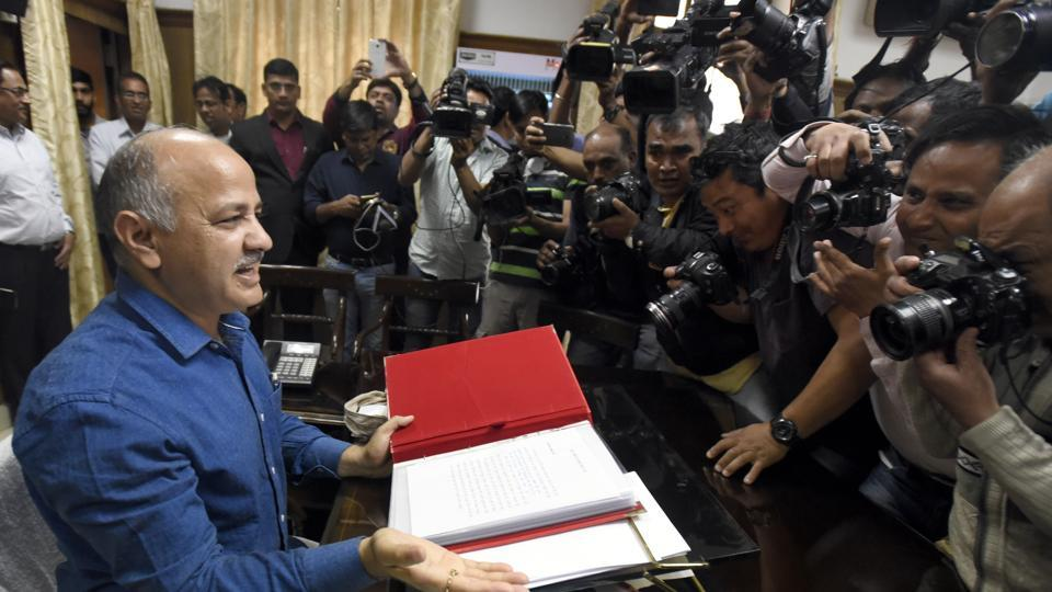 Deputy chief minister and finance minister Manish Sisodia and BJP's Vijender Gupta sparred in the Assembly on Wednesday.