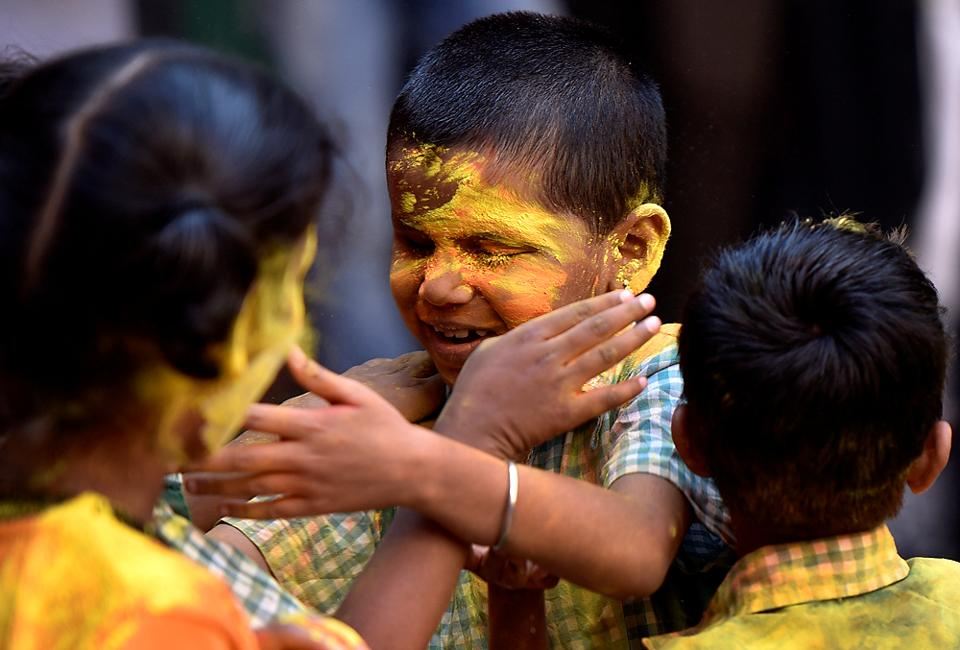 Yellow is the colour of this happy moment. (Vijayanand Gupta/HT Photo)