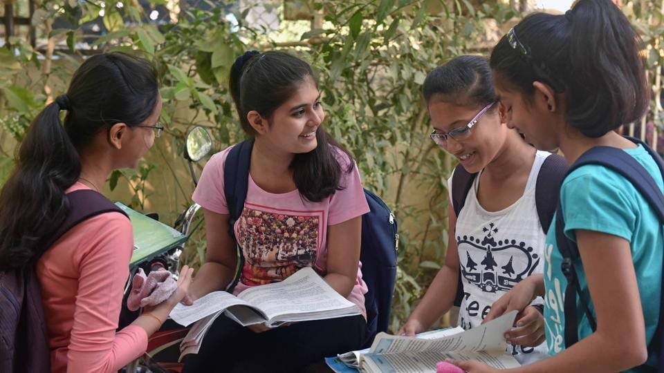 Candidates can fill up the application form for the Uttar Pradesh joint entrance examination for the bachelor of education 2017 from 3pm on Saturday.